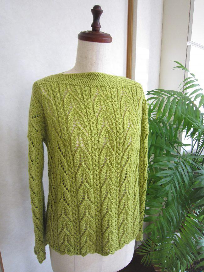 透かし編みボートネックセーター